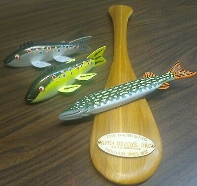 Fish decoy Pair and a Paddle NFDA Fundraiser spearing decoy 25/52