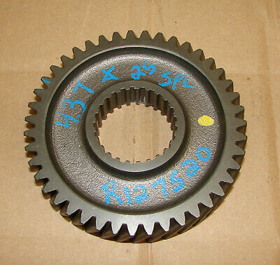 R127520 John Deere 5420 5200 5400 5410 5500 5520 Top Shaft Gear