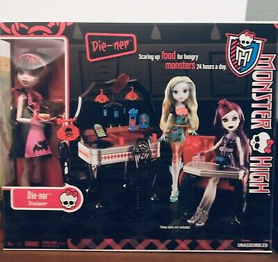 Monster High Die-ner Cafe Play Set With Doll NIB