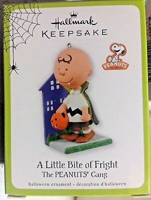 2011 Halloween Hallmark Ornament A Little Bite Of Fright Peanuts Charlie Brown