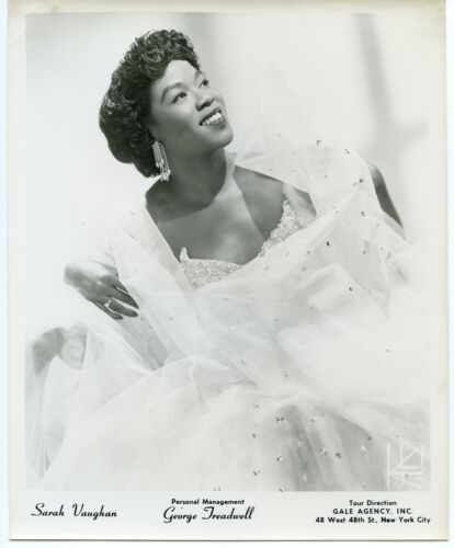 Sarah Vaughan - Jazz Vocalist orig 1950s James Kriegsmann 8x10 agency photograph