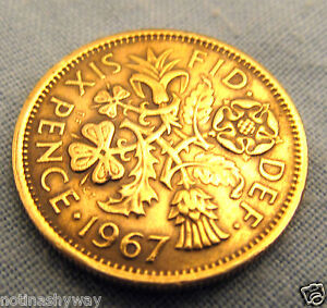 Lucky-1967-SixPence-Coin-Queen-Elizabeth-II-Gold-I-Royal-Mint-Xmas-Pudding-Magic