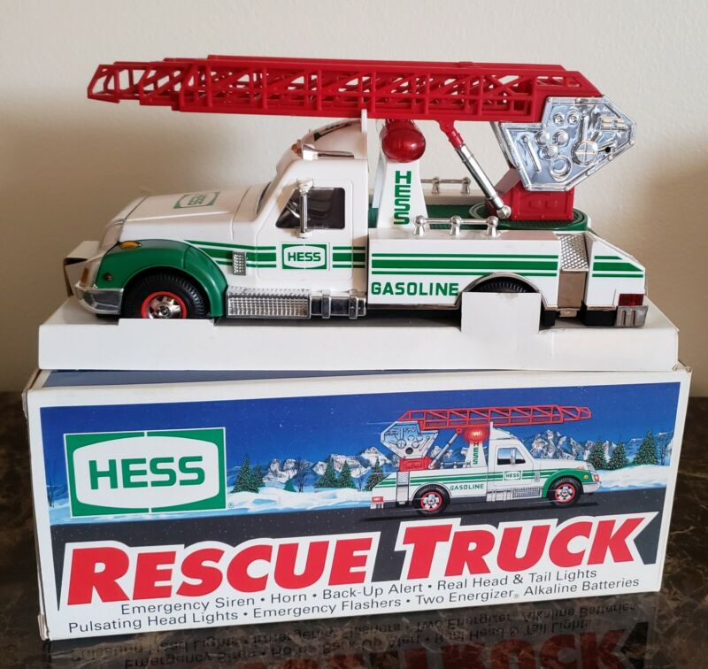BRAND NEW HESS TOY RESCUE TRUCK IN ORIGINAL BOX REAL LIGHTS SIREN HORN 1994