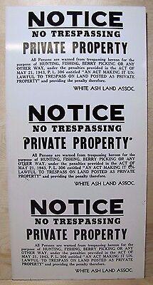 Vtg NOTICE NO TRESPASSING No Hunting Fishing NO BERRY PICKING Sign act of 1943