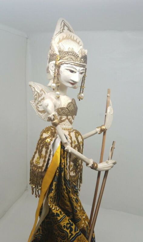 Indonesian Wayang Golek Wooden Stick Rod Puppet Doll Carved Handcrafted Vintage