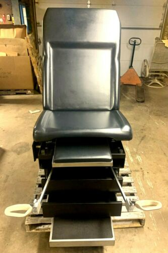 Umf Medical 5150 Exam Table Midmark Ritter Examination Table OBGYN Stirrups BLAC