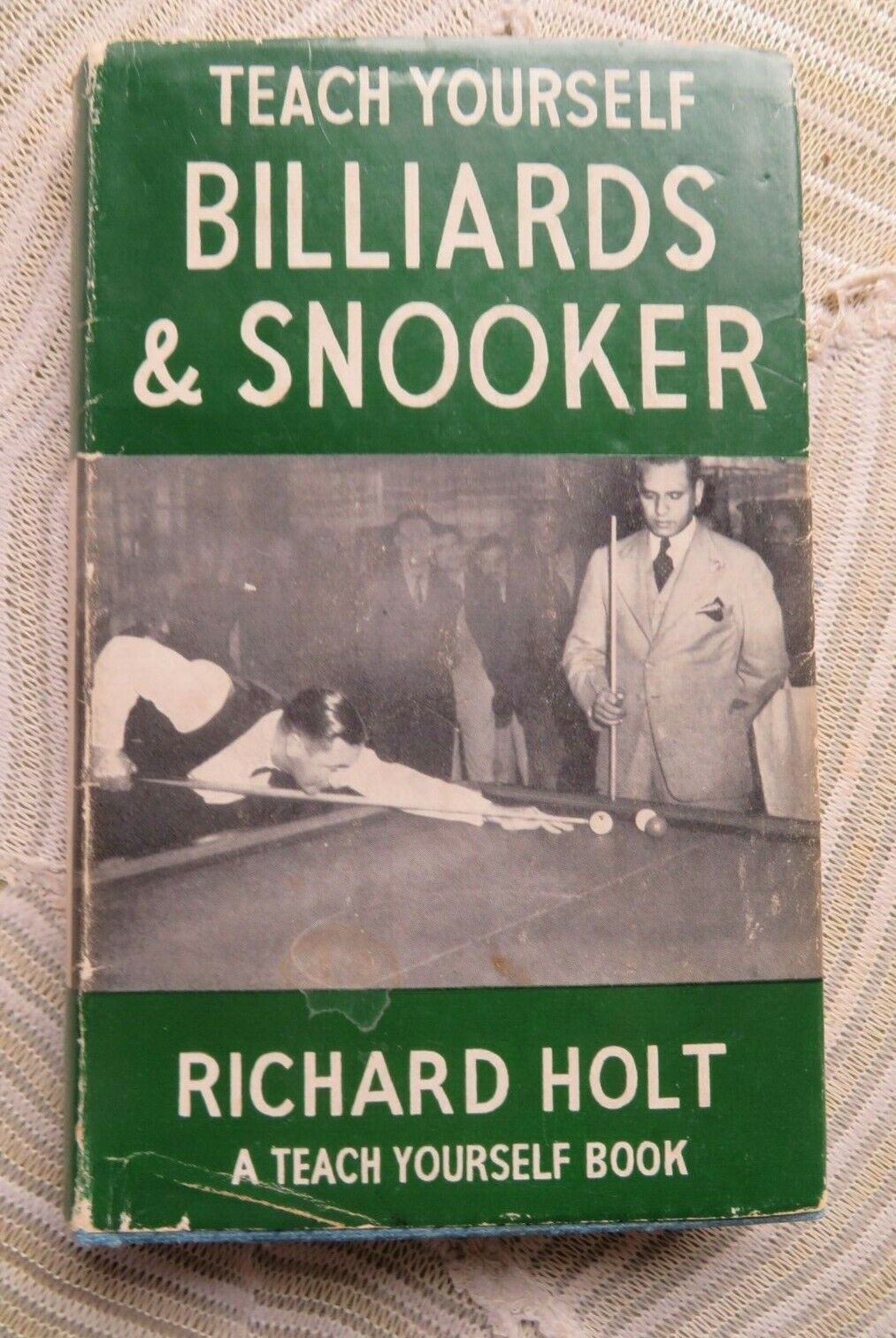 'Teach Yourself Billiards and Snooker : A Teach Yourself Book' by Richard Holt