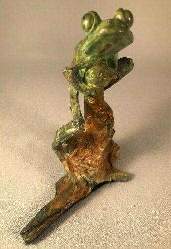 WILDLIFE ARTIST DAN CHEN BRONZE TREE FROG ON BRANCH, 1998, OUTSTANDING!