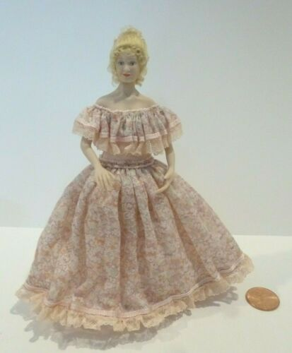 LOVELY DOLLHOUSE MINIATURE PORCELAIN LADY DOLL DRESSED IN A PINK DRESS