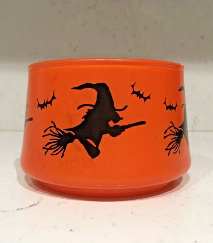 VINTAGE HAZEL ATLAS HALLOWEEN WITCHES AND BATS GLASS CANDY DISH MCM