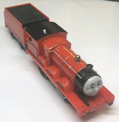 Trackmaster Thomas & Friends JAMES 2009 WORKING Motorized Train
