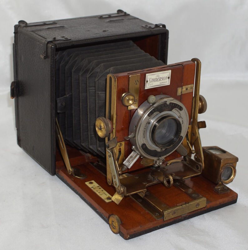 The Sanderson 3 1/4 x 4 1/4 Hand & Stand Camera by Houghtons