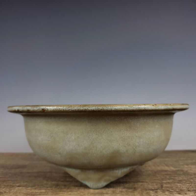 "8.7""Song dynasty Porcelain Ru kiln museum mark Folding edge Three foot Flowerpot"