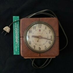Vtg 1940's General Electric ALARM CLOCK Art Deco Square Wood Case - Clock Works!