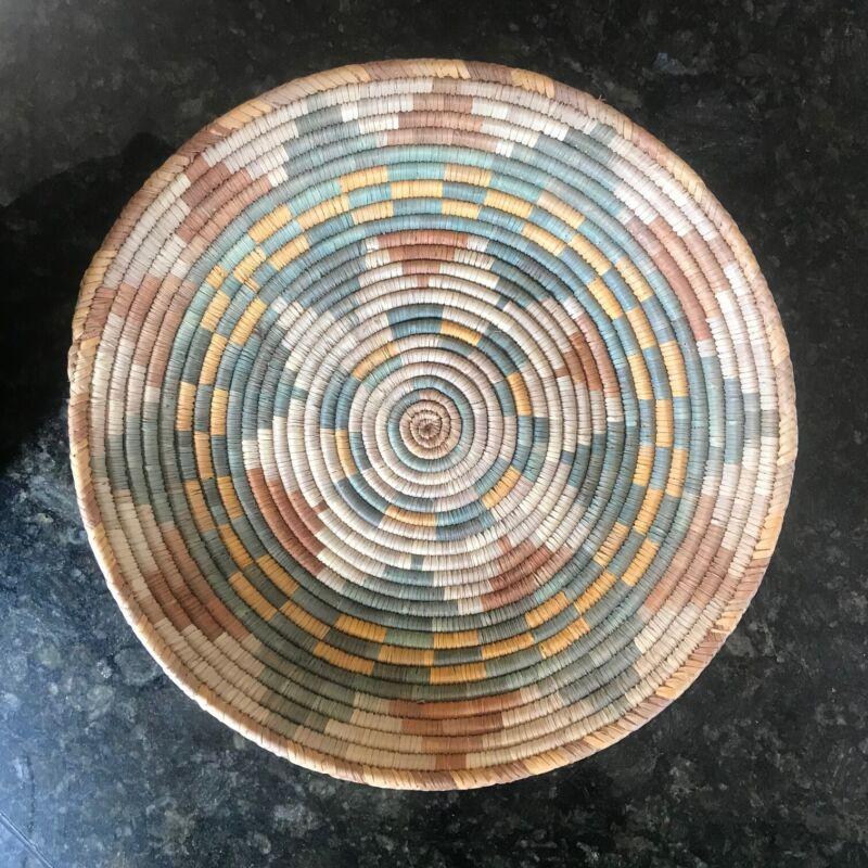 "Vtg Large African? Basket BOWL tray Spiral design pattern 15"" round woven"