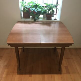 Dining Table  ***PICK UP ONLY***