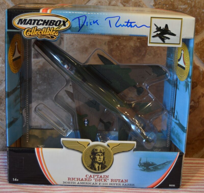 HARD TO FIND MATCHBOX COLLECTIBLES F-100~1:72 SCALE~AUTOGRAPHED~DICK RUTAN~COA!