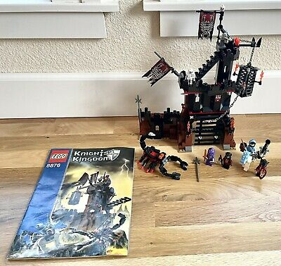 Vintage Very Nice LEGO Castle Knights' Kingdom II Scorpion Prison Cave No. 8876