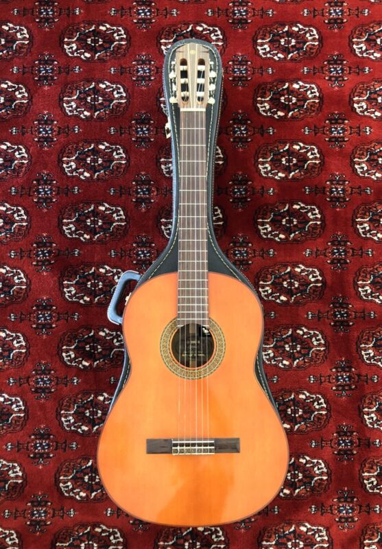 Yamaha G-150A Classical Guitar Made In Taiwan Tan/Gold Label - Damaged