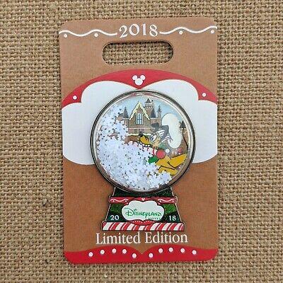 Pluto Gingerbread Display Snow Globe Pin 2018 Disneyland Hotel Christmas LE 750 ()