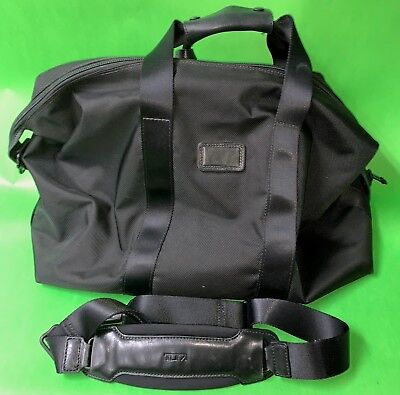 Tumi Black Alpha Collection Small Soft Reise Tasche Travel Bag Model 22149DH