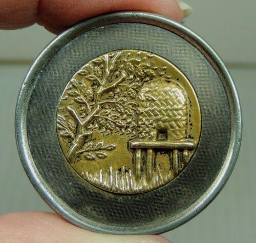 """ANTIQUE BRASS PICTURE BUTTON ~  BEE SKEP  METAL 1 3/8""""  Beehive"""