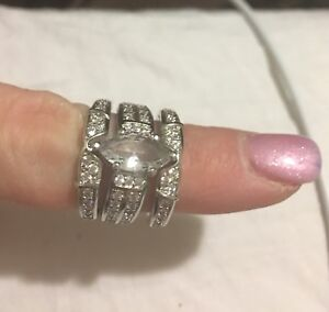 Sterling silver beautiful ring set size 7