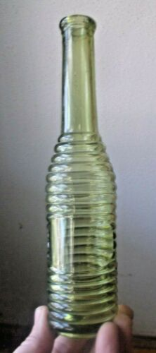 RARE YELLOW GREEN COLORED DIXIE PEPPER SAUCE BOTTLE 1880