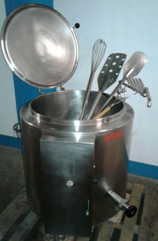 GROEN AE1-30.  30 Gallon Steam Kettle w/Accessories.  3 Phase.