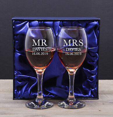 Personalised Mr and & Mrs Wedding Wine Glasses Set Wedding Gift For Groom