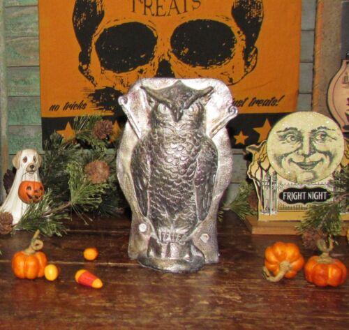 Primitive Antique Vtg Tin Style Halloween Silver Owl Resin Chocolate Candy Mold