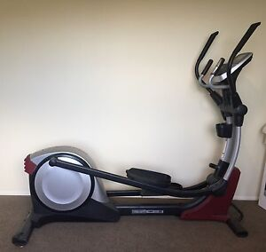 PROFORM 900 ZLE ELLIPTICAL TRAINER Voyager Point Liverpool Area Preview