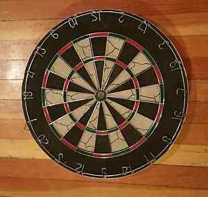 Quality Classic Dart Board, hardly used