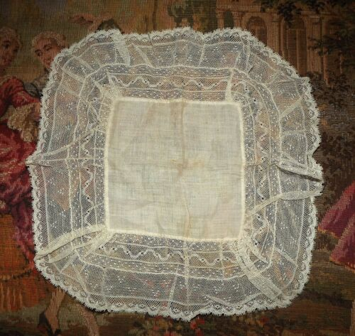 ANTIQUE VINTAGE Feminine Net Lace & Linen HANDKERCHIEF
