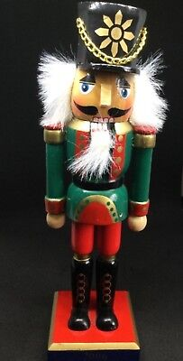 2006 Wooden Nutcracker Numbered Collectors Christmas Holiday Home Decoration  ()