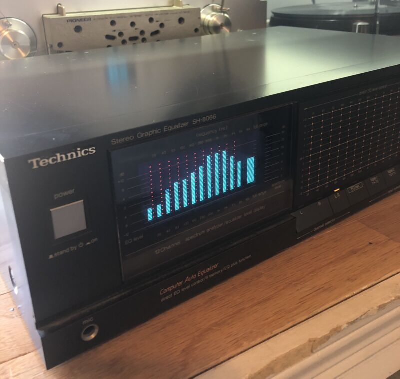 Working Technics Stereo Equalizer SH-8066 (12 Channel Computer Auto Equalizer)