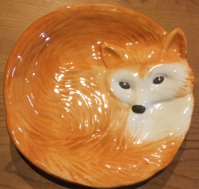 Curled Up Red fox Plate