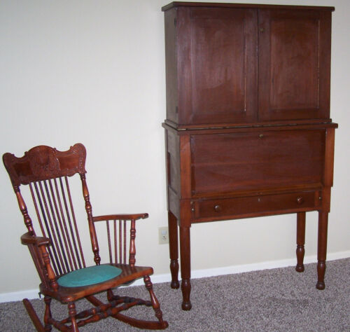 ANTIQUE FARM PLANTATION or COMPANY DESK OHIO ESTATE CHERRY and PINE