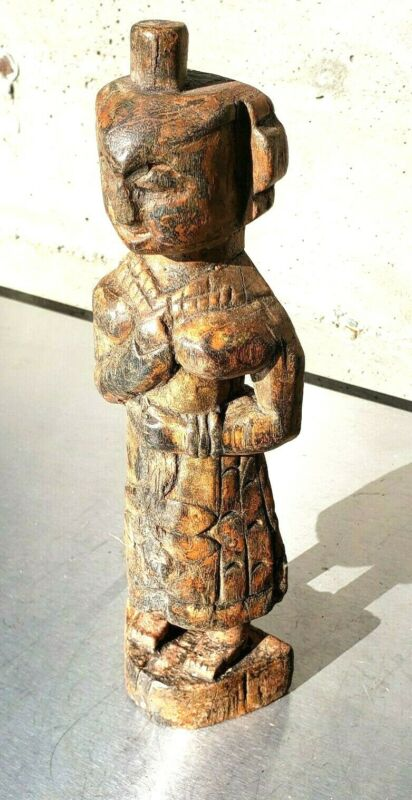 Excellent antique south-east asian (Indonesia?) wood carving