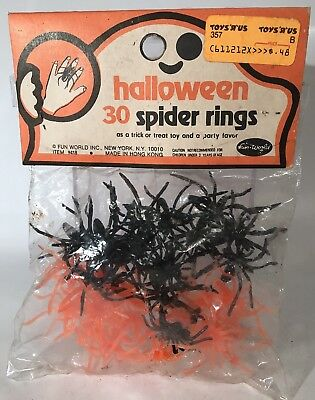 Vintage Halloween Plastic Spider Rings Trick Or Treat Party Favor Fun World Rare](Plastic Spider Rings)