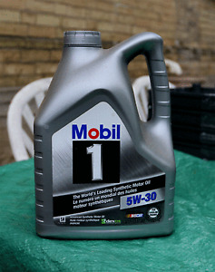 5W30 Mobil & Castrol Synthetic Motor Oil For Sale