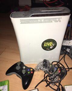 Xbox -2 manettes et 9 jeux