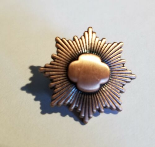 Vintage Junior Girl Scouts Bronze Award ~Rounded Trefoil Prior to 2011~Pre-Owned
