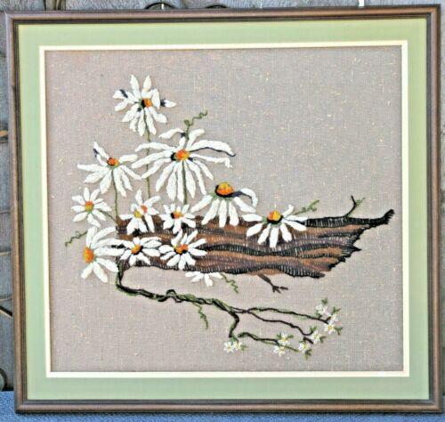 Vtg+Yarn+Art+Embroidery+Professional+Wood+Frame+Flowers+23.5%22+x+22%22+Brown+Burlap