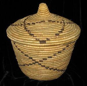 african basket kenya hand made round with lid handmade ebay. Black Bedroom Furniture Sets. Home Design Ideas