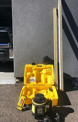 Leica Rugby 820 Laser Level W Multiple Accessories