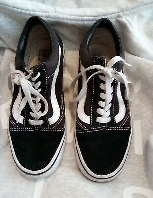 Black and white vans size 4