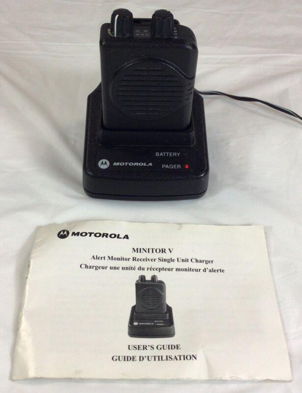 Motorola Minitor V Low Band Fire EMS Pager with Charger ~ Free Shipping!!!