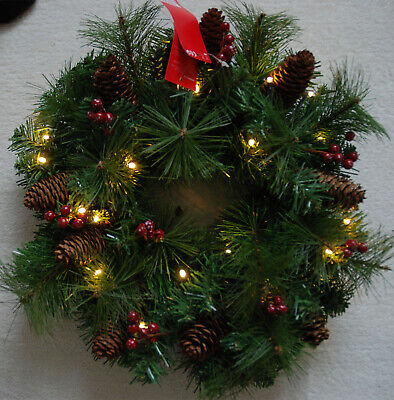 BNWT Marks & Spencer Light Up Decorated Winterberry Cones Christmas Wreath 16