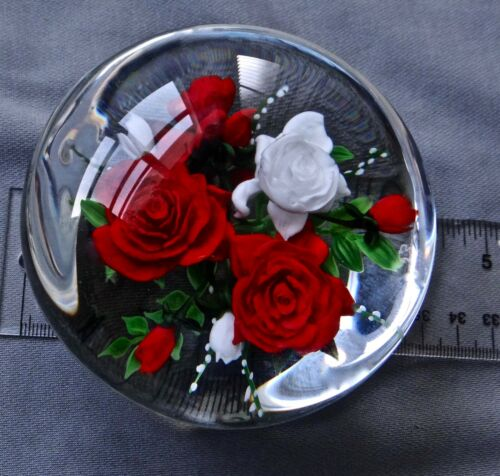 RICK AYOTTE PAPERWEIGHT RED & WHITE ROSES 2000 L/E 25  3 1/2""